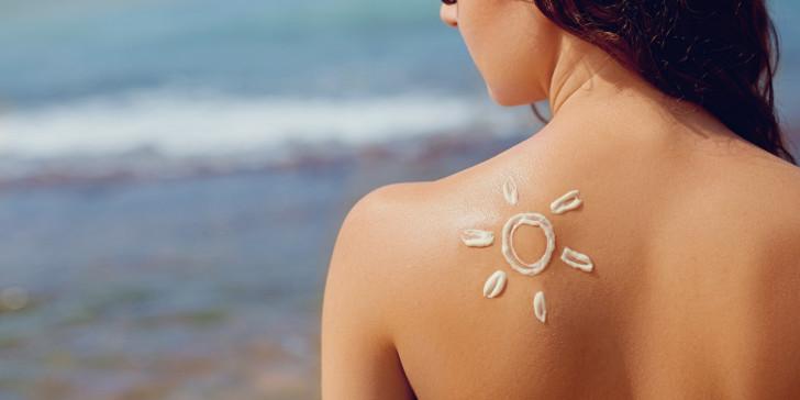از قرار گرفتن در معرض آفتاب قبل و بعد از انجام لیزر بپرهیزید
